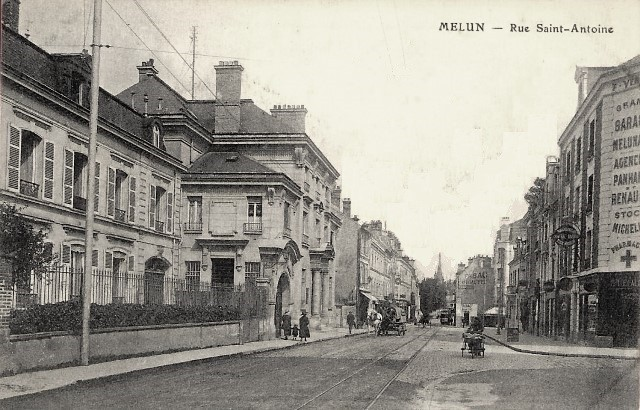 Melun seine et marne la rue saint antoine cpa