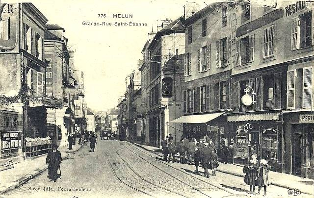 Melun seine et marne la rue saint etienne cpa