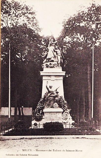 Melun seine et marne le monument aux morts de 1870 cpa