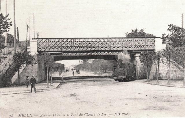 Melun seine et marne le pont de chemin de fer cpa