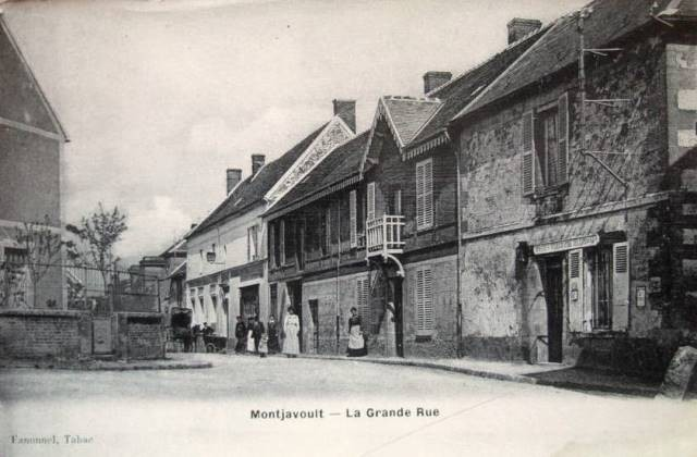Montjavoult oise cpa grande rue le tabac