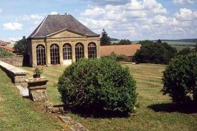 Montmédy (Meuse) Fresnois, l'Orangerie du château