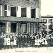 Montmédy (Meuse) L'école de filles CPA