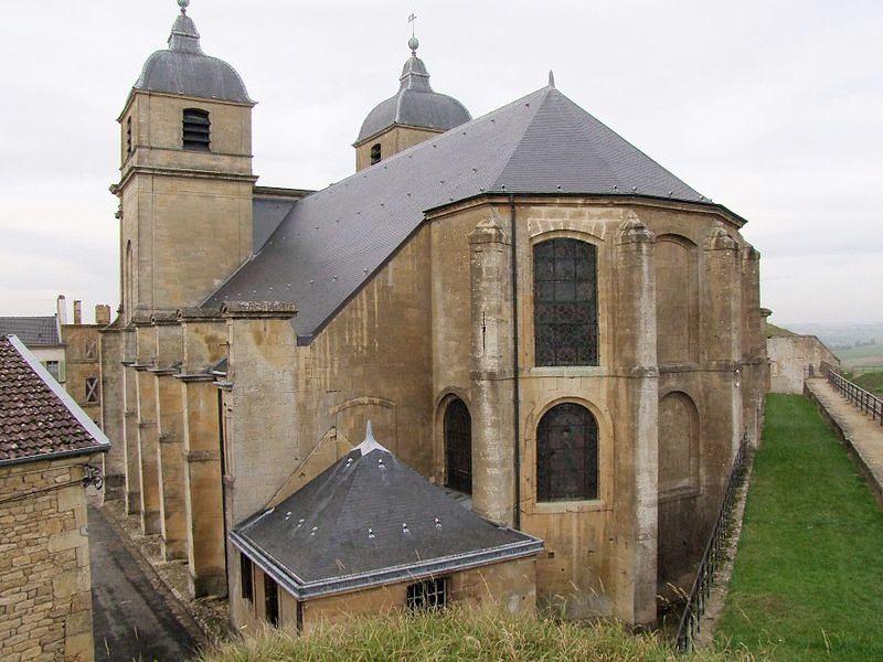 Montmédy (Meuse) L'église Saint Martin, chevet et sacristie