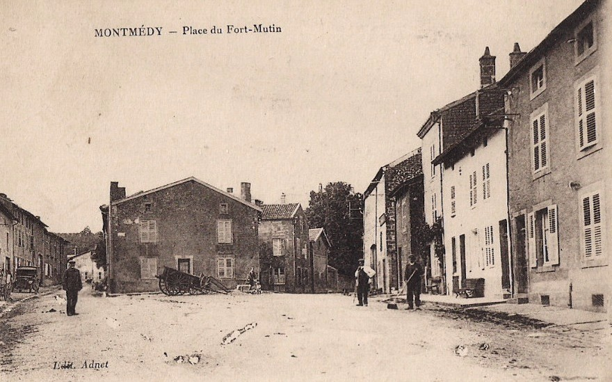 Montmédy (Meuse) La place de Fort-Mutin CPA