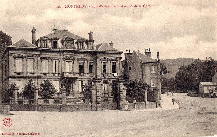 Montmédy (Meuse) La Sous-préfecture CPA
