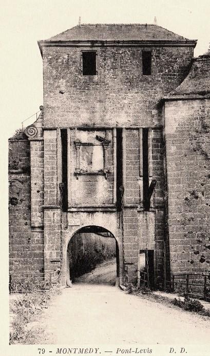 Montmédy (Meuse) Le pont-levis CPA