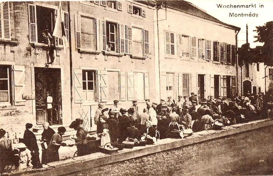 Montmédy (Meuse) Un marché pendant l'occupation