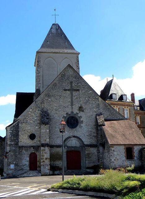 Montmirail (51) L' église Saint-Etienne