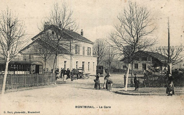 Montmirail (51) La gare CPA