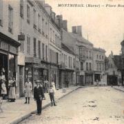 Montmirail (51) La place Rémy Petit CPA