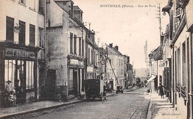 Montmirail (51) La rue de Paris CPA