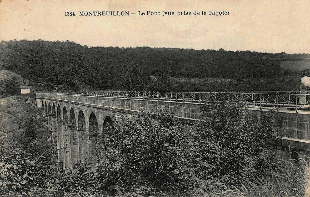 Montreuillon (Nièvre) L'Aqueduc CPA