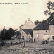Montreuillon (Nièvre) Le quartier de La Poste CPA