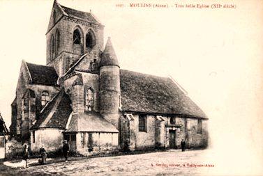 Moulins (Aisne) CPA Eglise Saint Pierre
