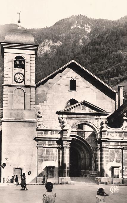 Moûtiers (Savoie) La cathédrale Saint-Pierre CPA