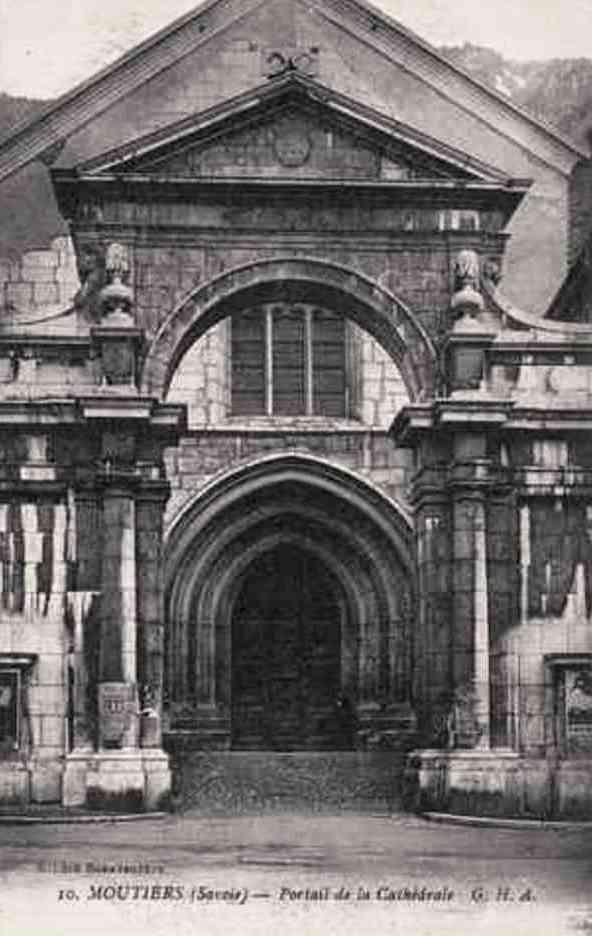 Moûtiers (Savoie) La cathédrale Saint-Pierre, portail baroque CPA