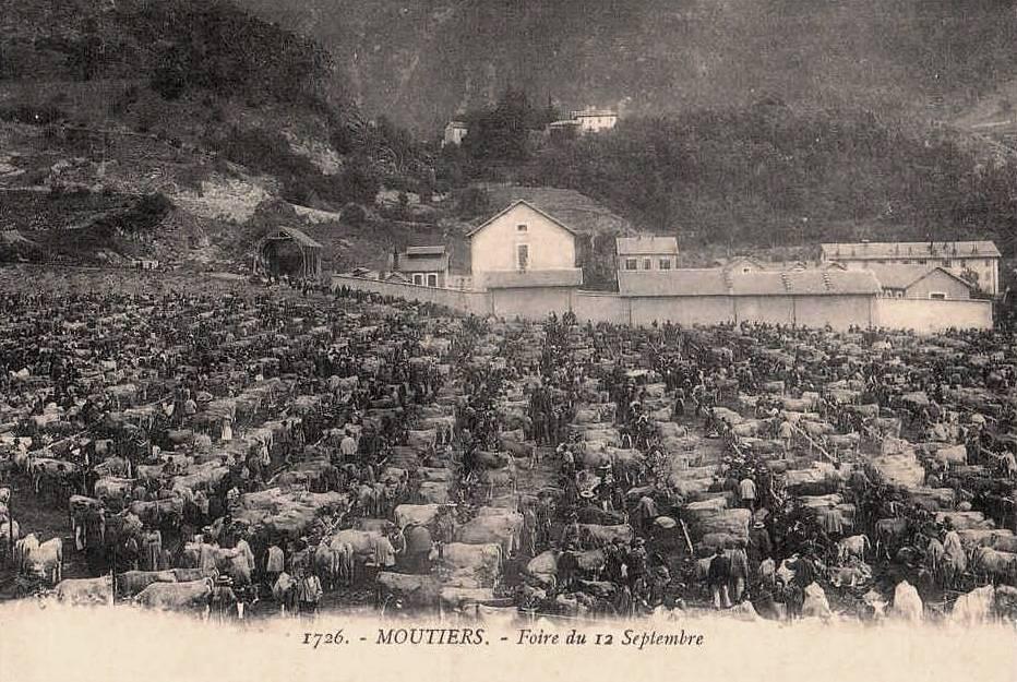 Moûtiers (Savoie) La Foire de septembre CPA