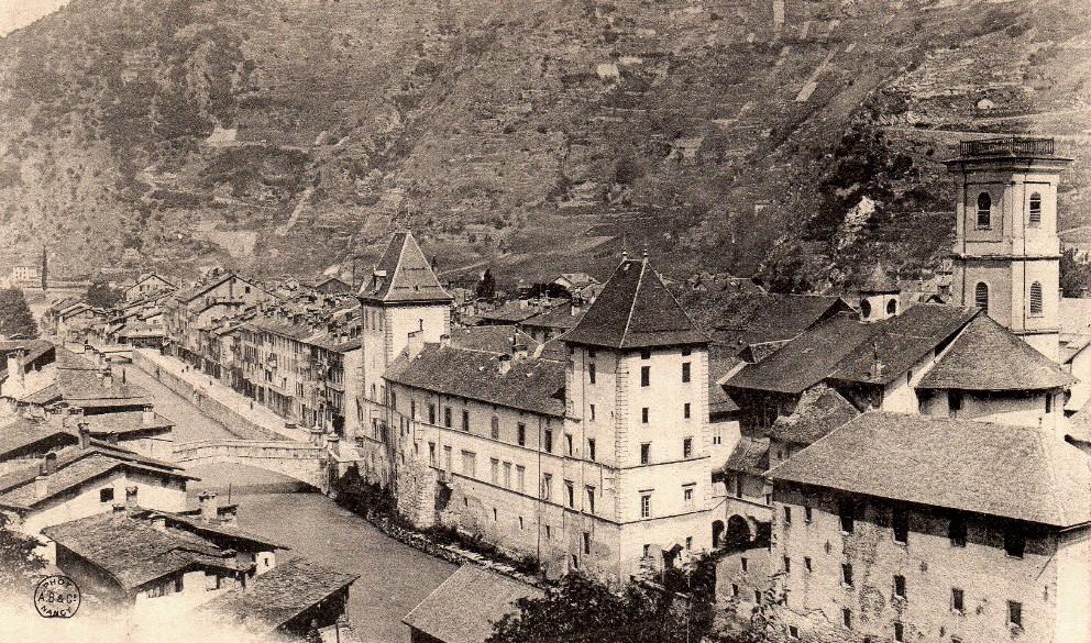 Moûtiers (Savoie) Le Palais des évèques CPA