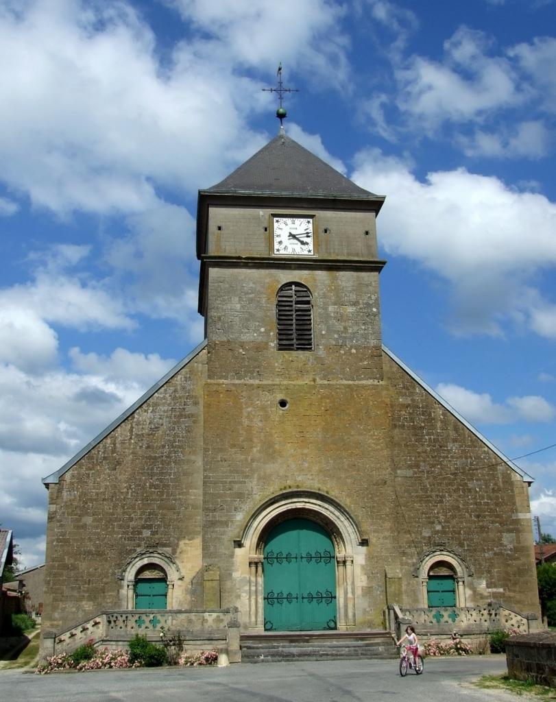 Mouzay (Meuse) L'église Saint-Pierre et Saint-Paul