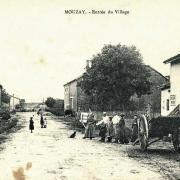 Mouzay (Meuse) L'entrée du village