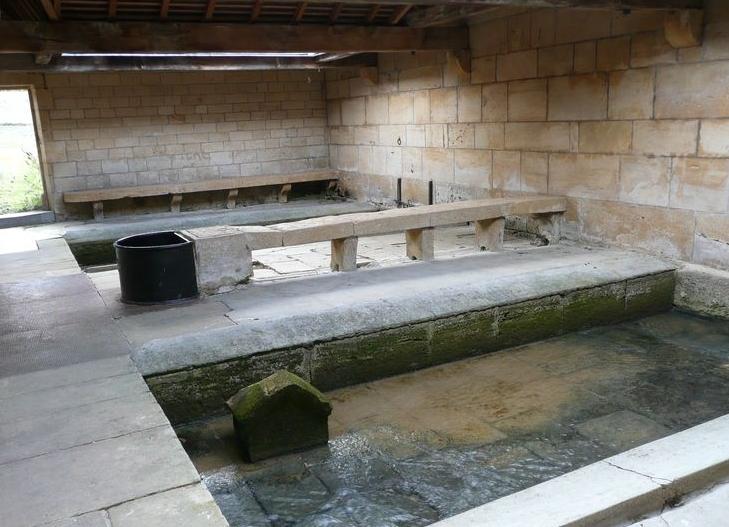 Mouzay (Meuse) Le lavoir