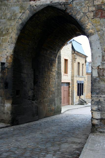 Mouzon (08) Porte de Bourgogne