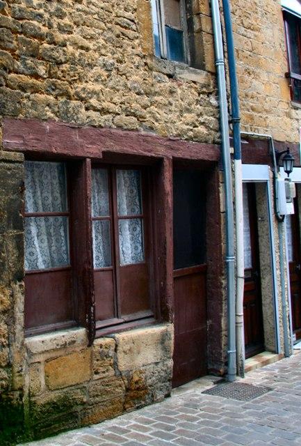 Mouzon (08) Vieilles maisons