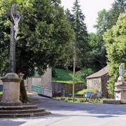 Murat-sur-Vèbre (Tarn) Boissezon, Vierge et croix