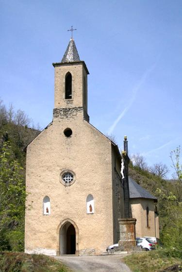 Murat-sur-Vèbre (Tarn) Canac, église Saint Pierre
