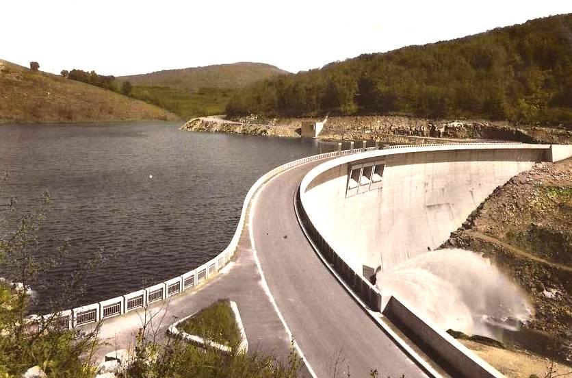 Murat-sur-Vèbre (Tarn) Barrage de Laouzas