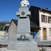Murat-sur-Vèbre (Tarn) Monument aux morts