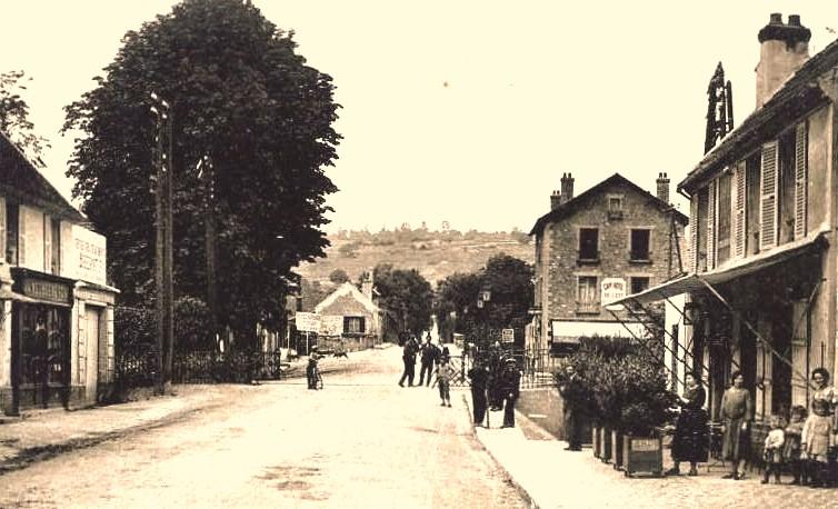 Nogent l'Artaud (Aisne) CPA Passage à niveau