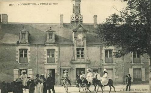 Noirmoutier-en-l'Ile (Vendée) Hôtel de ville CPA