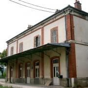 Nolay (Côte d'Or) L'ancienne gare désaffectée