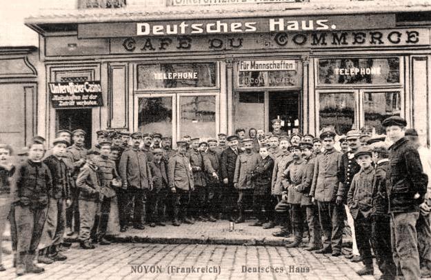 Noyon oise cpa 1914 1918 cafe du commerce