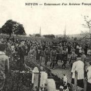 Noyon oise cpa 1916 enterrement d un aviateur francais