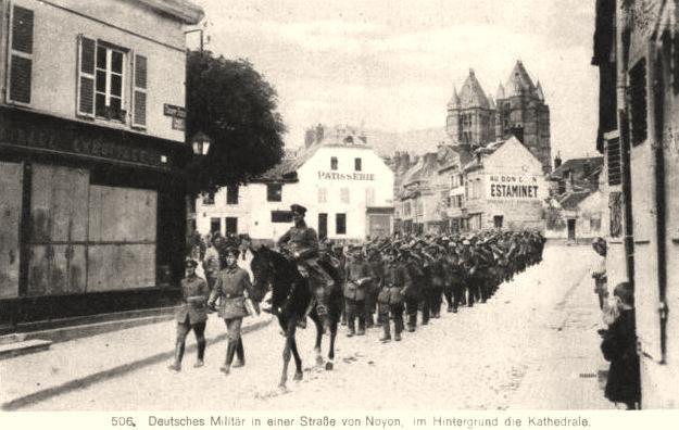 Noyon oise cpa 1914 1918 soldats allemands
