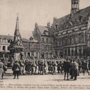 Noyon oise cpa 1917 les troupes