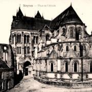 Noyon oise cpa cathedrale et place de l abside