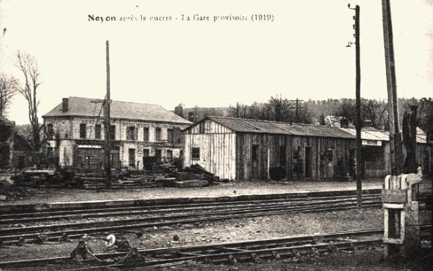 Noyon oise cpa gare provisoire 1920