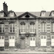 Noyon oise cpa maison 1761