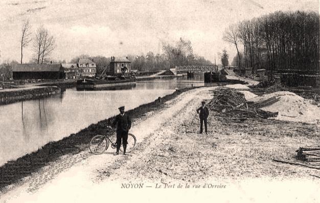 Noyon oise cpa rue d orroire port