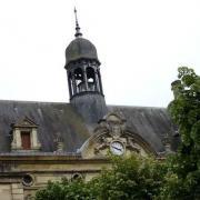 Noyon oise hotel de ville le campanile