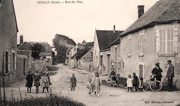 Oeuilly (Aisne) CPA rue des fées