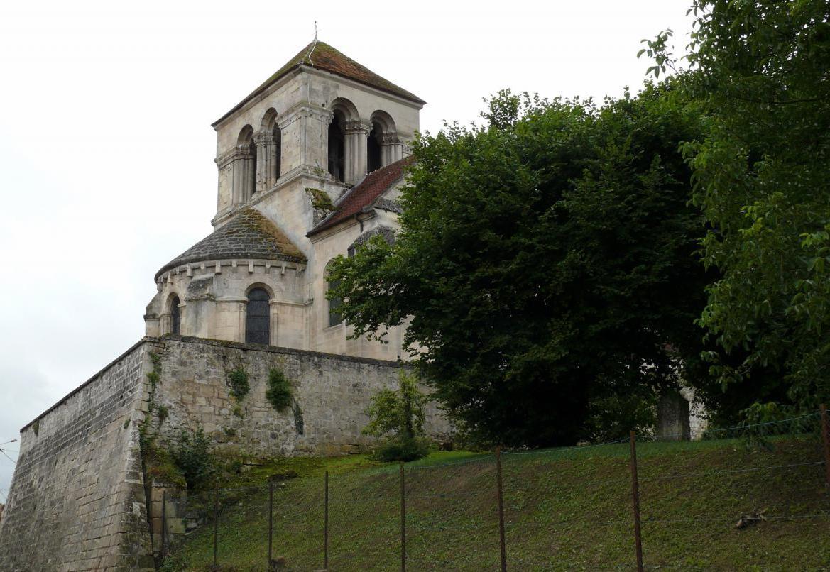 Pernant (Aisne) L'église Saint-Léger