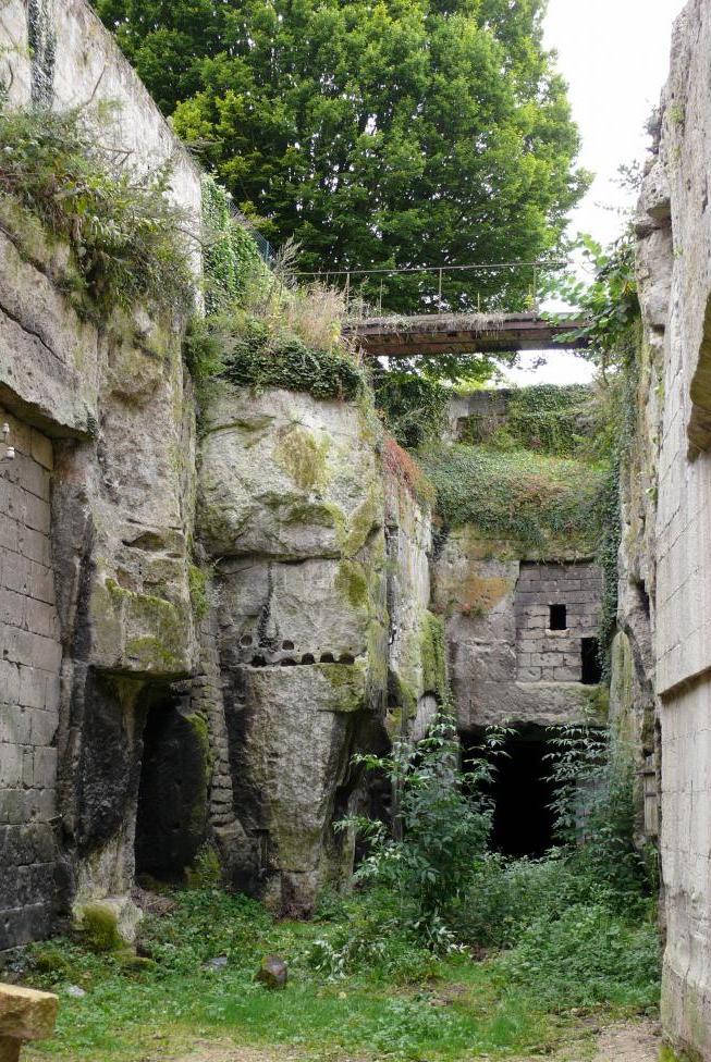 Pernant (Aisne) Vestiges de la forteresse