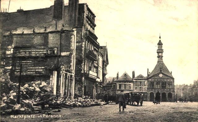 Peronne somme 1914 1918 la place du marche cpa