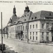 Peronne somme l hotel de ville en 1927 cpa