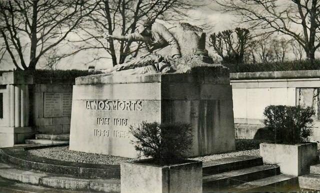 Peronne somme le monument aux morts cpa